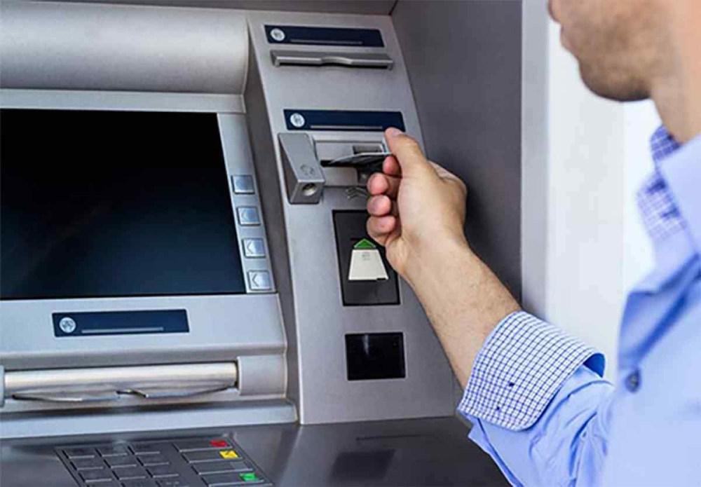 cách kiểm tra tiền trong thẻ atm