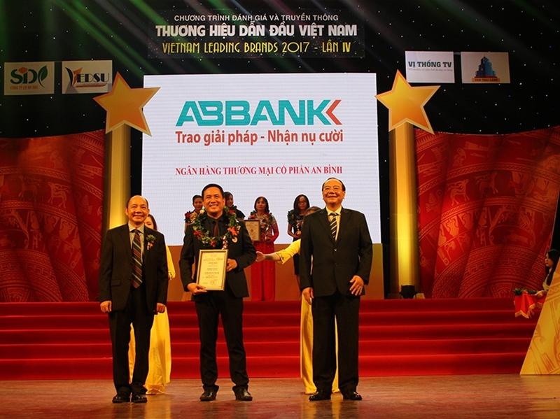 ABBank vinh dự nhận được nhiều giải thưởng trong và ngoài nước
