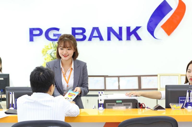 Khách hàng nên tìm hiểu trước giờ làm việc của PG Bank trước khi đến giao dịch để tiết kiệm thời gian