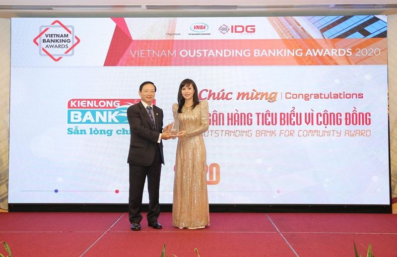 Kien Long Bank nhận được nhiều giải thưởng uy tín trong và ngoài nước